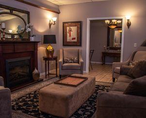 Magnolia Retreat /  Lounge