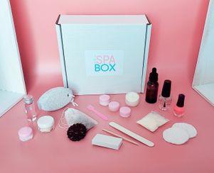 The Mani / Pedi Box